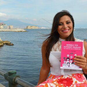 Anna Pernice con il suo libro