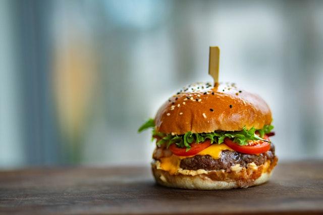 Come creare guida ai regali festa del papà: foto accattivante di hamburger