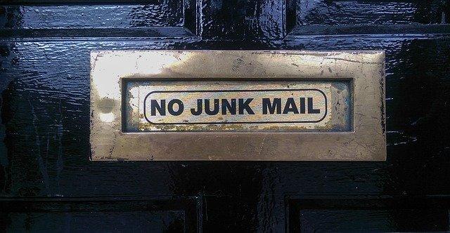 Creare mailing list: spam