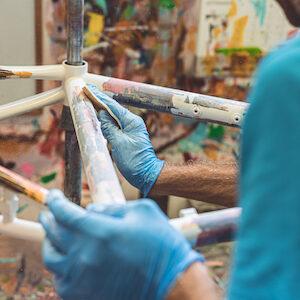 Aprire un'impresa artigiana: al lavoro su un telaio