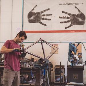Aprire un'impresa artigiana: all'interno dell'Officina Dario Pegoretti